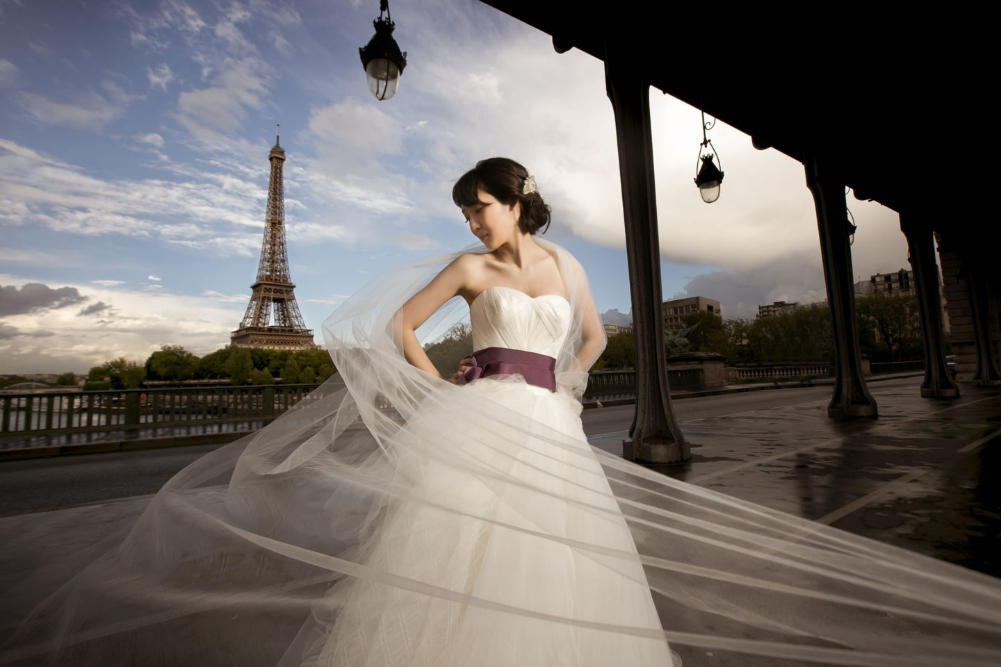 Paris :: Bride alone :: David Bastianoni wedding photographer