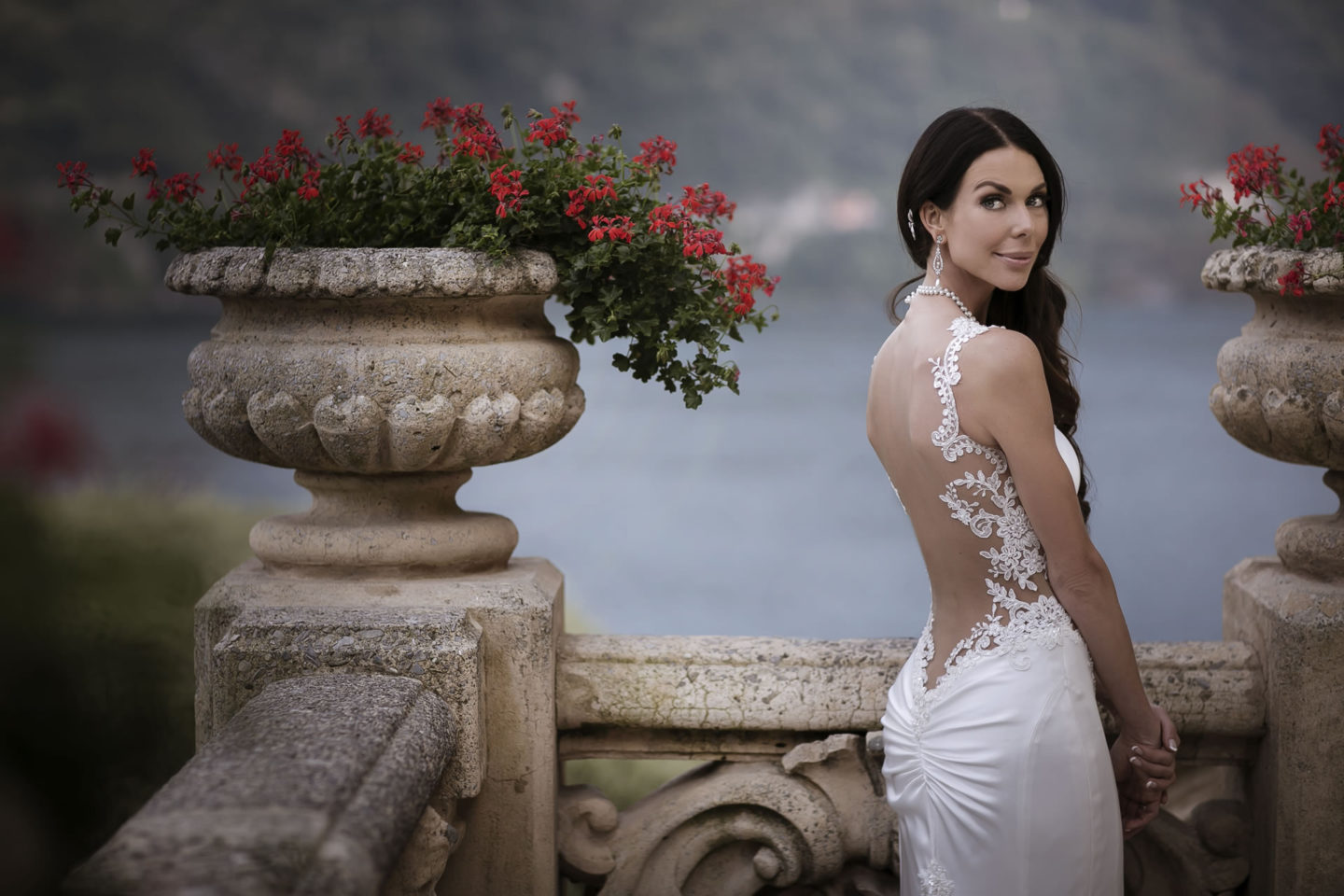 Sea :: Bride alone :: David Bastianoni wedding photographer