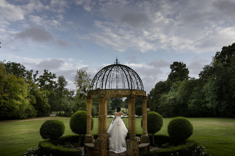 Green :: Bride alone :: David Bastianoni wedding photographer