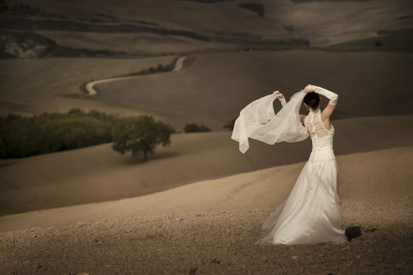 Air :: Bride alone :: David Bastianoni wedding photographer
