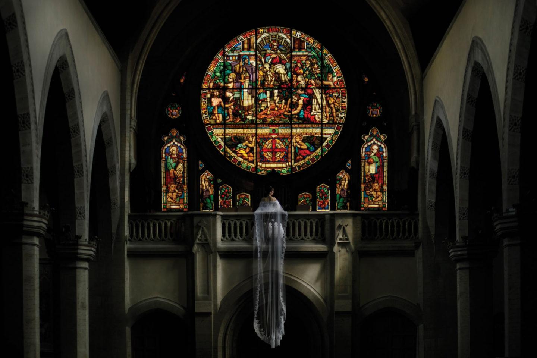 Cathedral :: Bride alone :: David Bastianoni wedding photographer