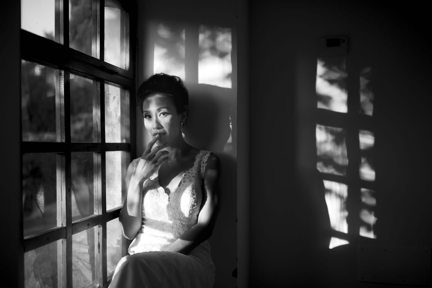 Singapore :: Bride alone :: David Bastianoni wedding photographer