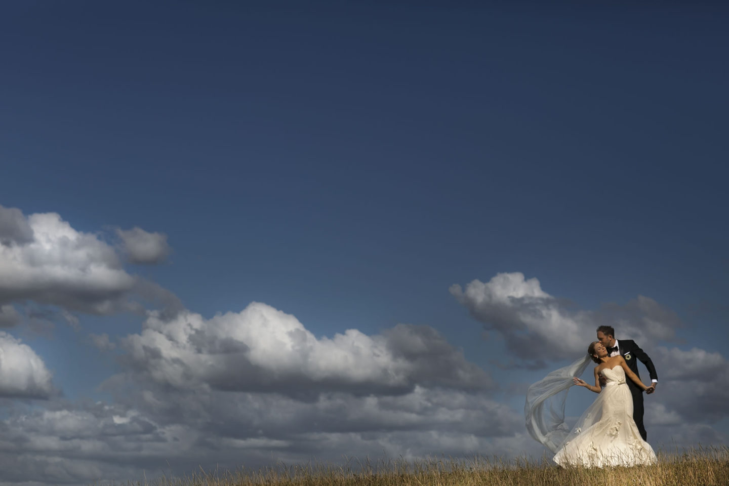 Air :: Bride and groom. Couple :: David Bastianoni wedding photographer