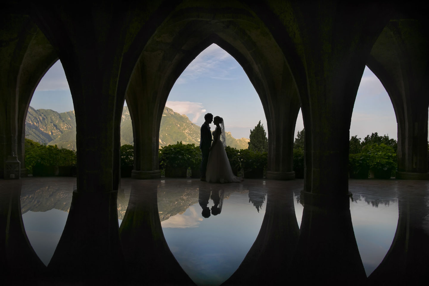 Upside Down :: Bride and groom. Couple :: David Bastianoni wedding photographer