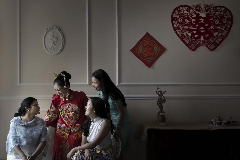 Japanese Friend :: Getting ready :: David Bastianoni wedding photographer