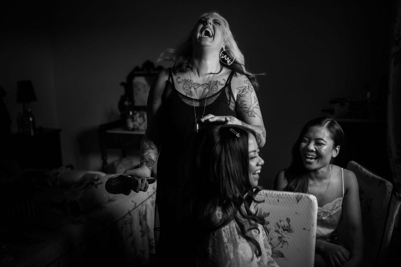 Laughs :: Getting ready :: David Bastianoni wedding photographer