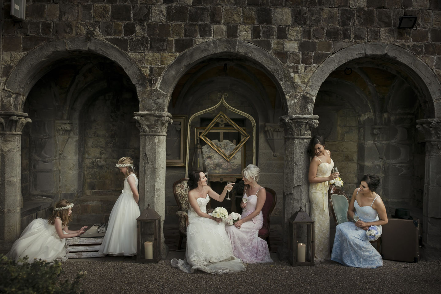 Under The Arch :: Groups Bridal Parties :: David Bastianoni wedding photographer