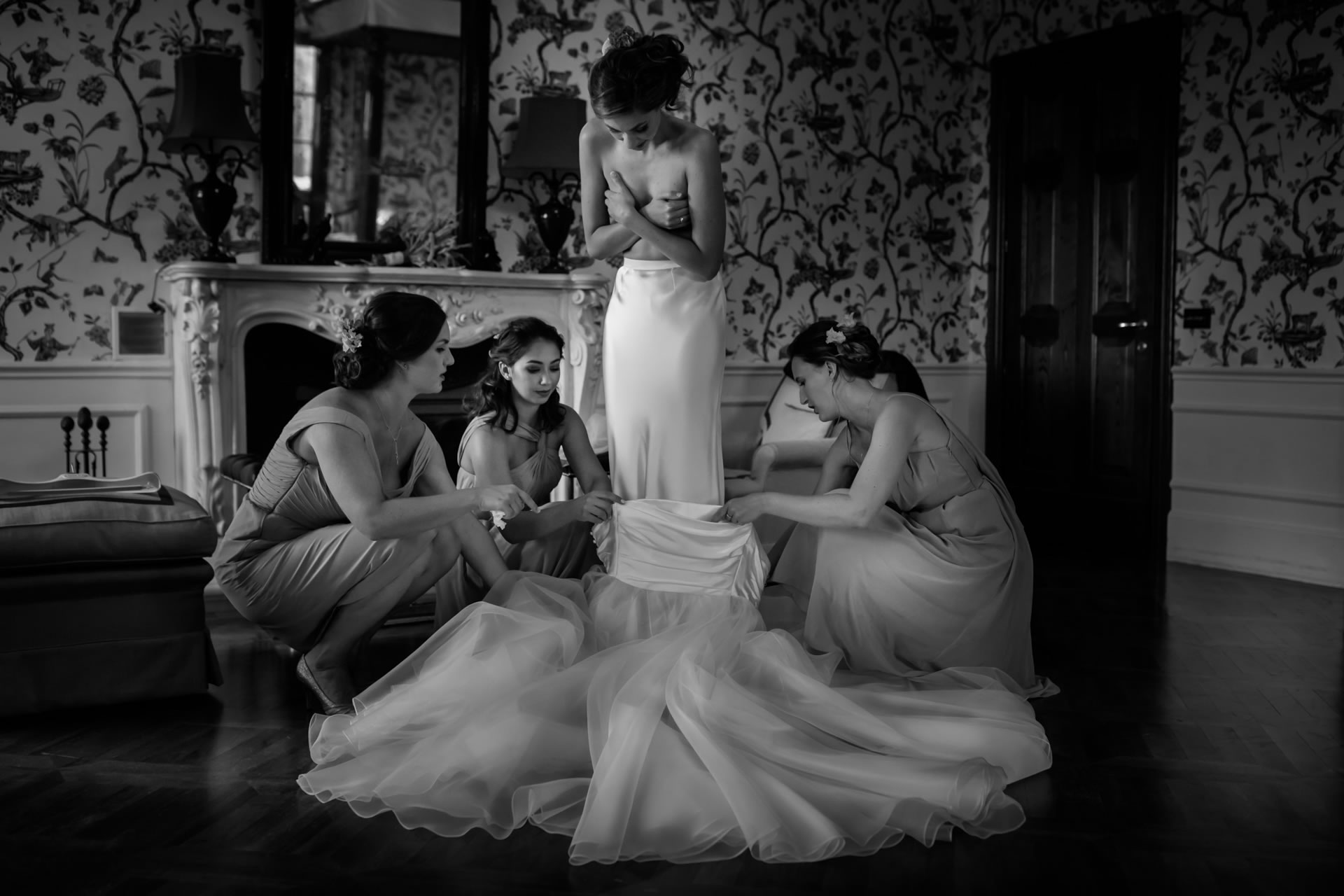 Change Of Clothes - 9 :: Amazing wedding day at Il Borro :: Luxury wedding photography - 8 :: Change Of Clothes - 9