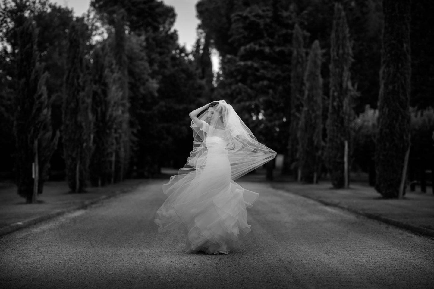 Dance :: Amazing wedding day at Il Borro :: Luxury wedding photography - 31 :: Dance