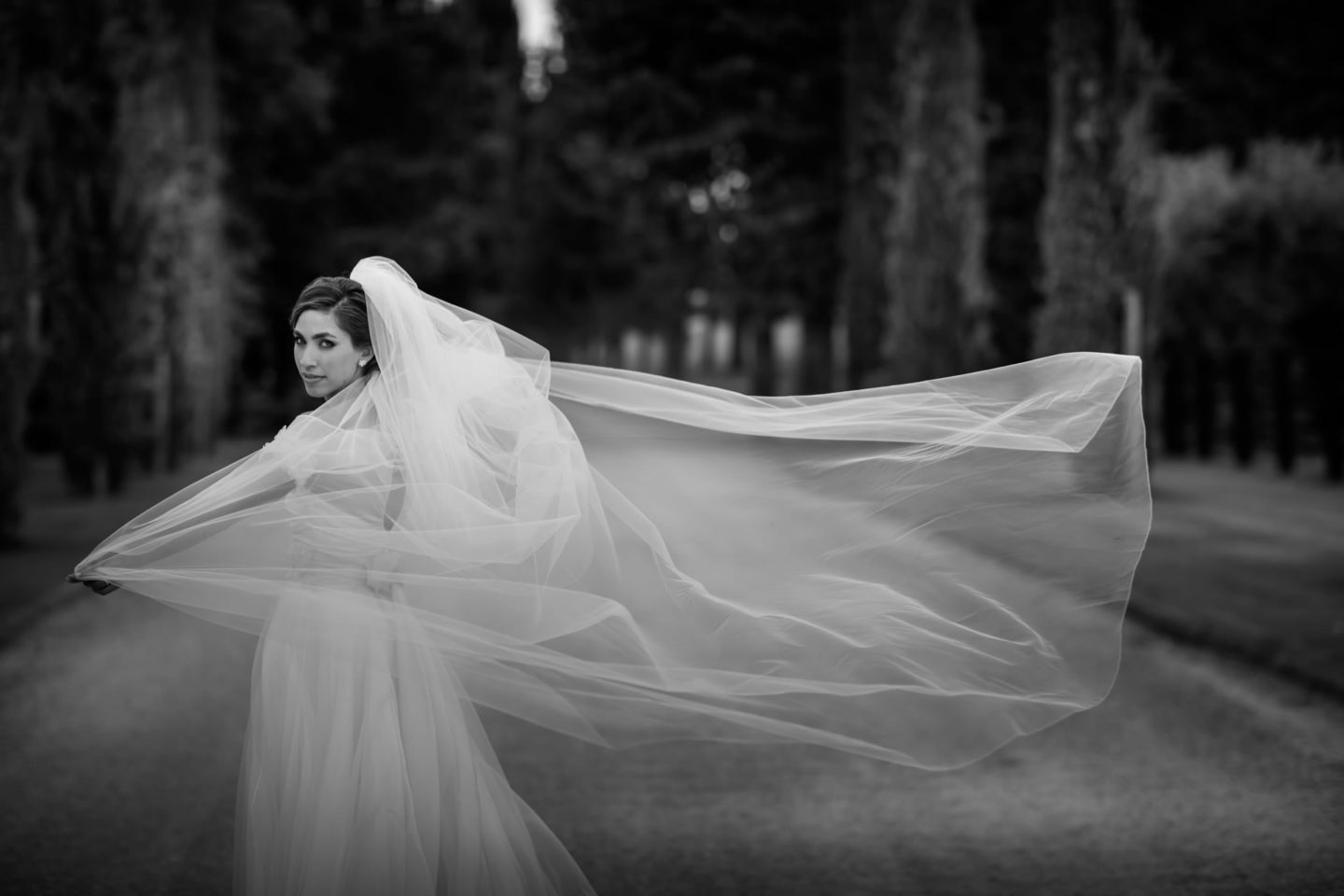 Veil :: Amazing wedding day at Il Borro :: Luxury wedding photography - 32 :: Veil