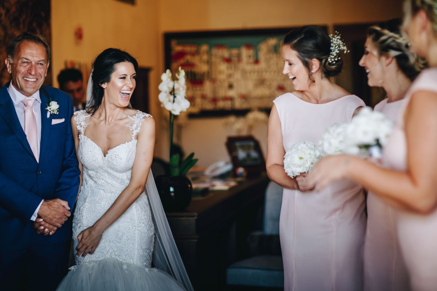 Fun :: Crazy wedding at Vincigliata Castle and Villa San Michele :: Luxury wedding photography - 11 :: Fun