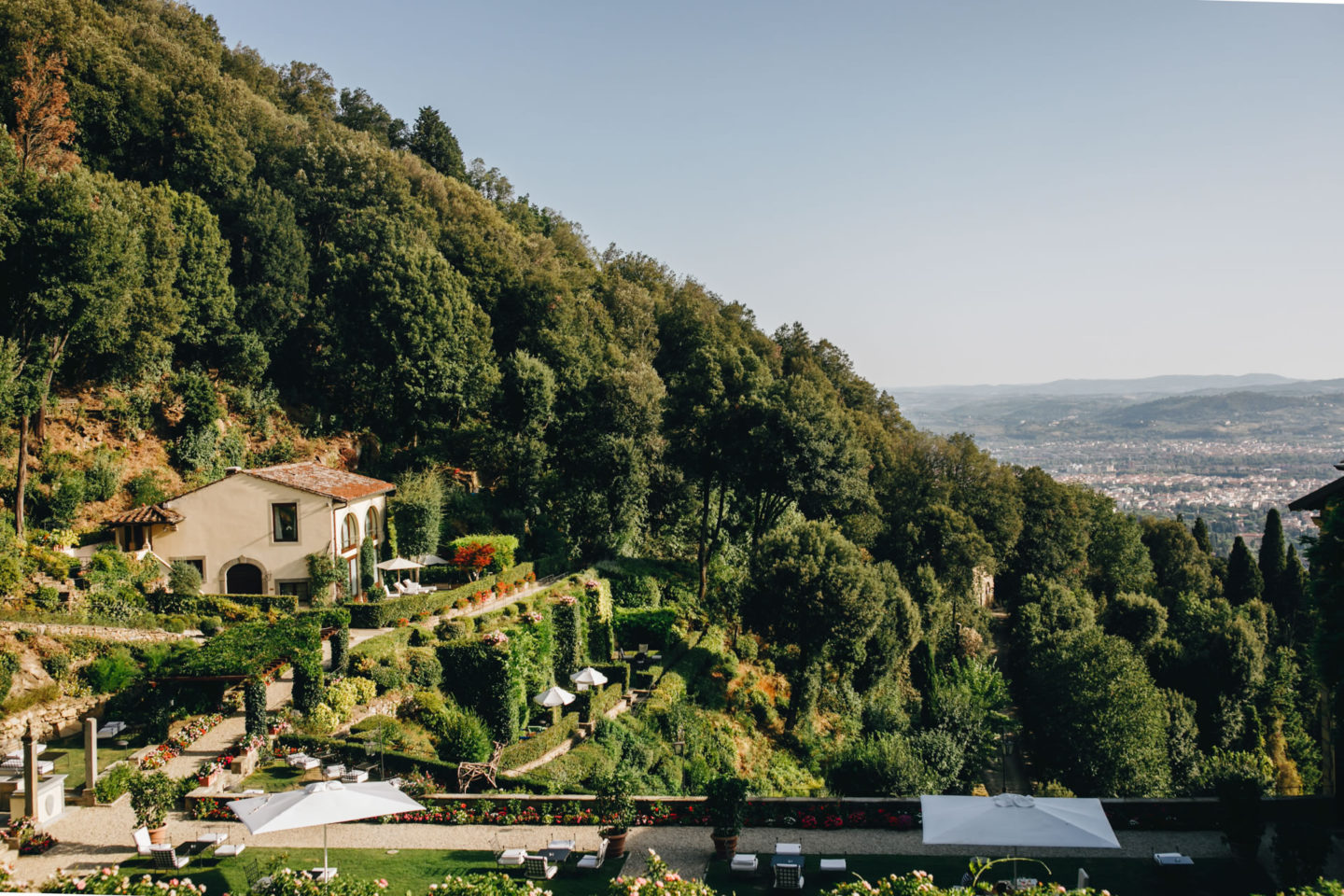 View :: Crazy wedding at Vincigliata Castle and Villa San Michele :: Luxury wedding photography - 20 :: View