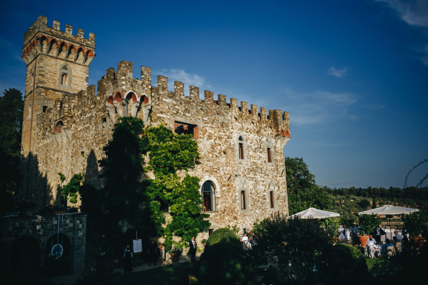 Castle :: Crazy wedding at Vincigliata Castle and Villa San Michele :: Luxury wedding photography - 37 :: Castle