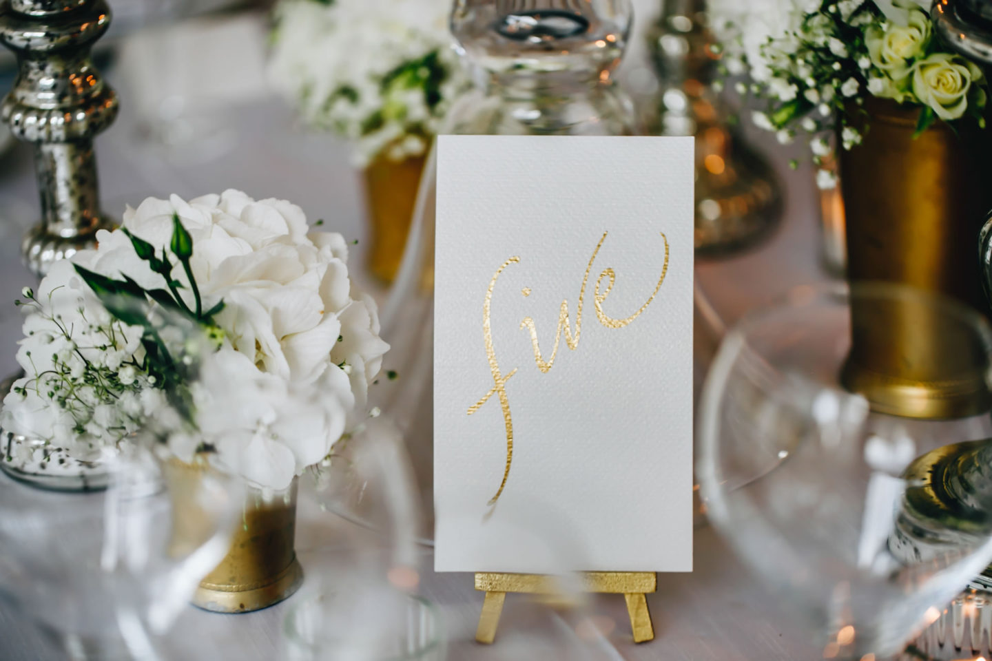 Gold :: Crazy wedding at Vincigliata Castle and Villa San Michele :: Luxury wedding photography - 41 :: Gold