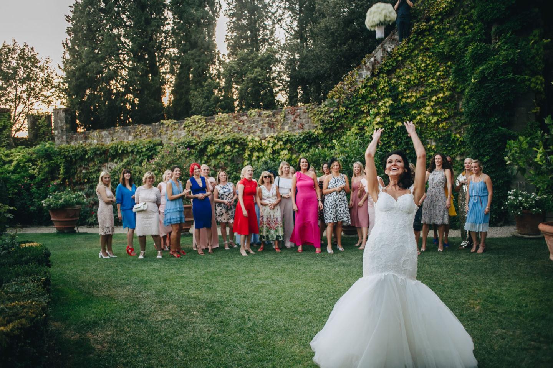 Funny Girls :: Crazy wedding at Vincigliata Castle and Villa San Michele :: Luxury wedding photography - 43 :: Funny Girls