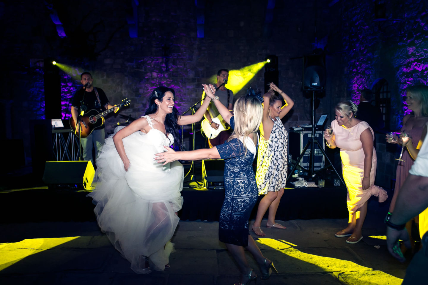 Madness :: Crazy wedding at Vincigliata Castle and Villa San Michele :: Luxury wedding photography - 57 :: Madness