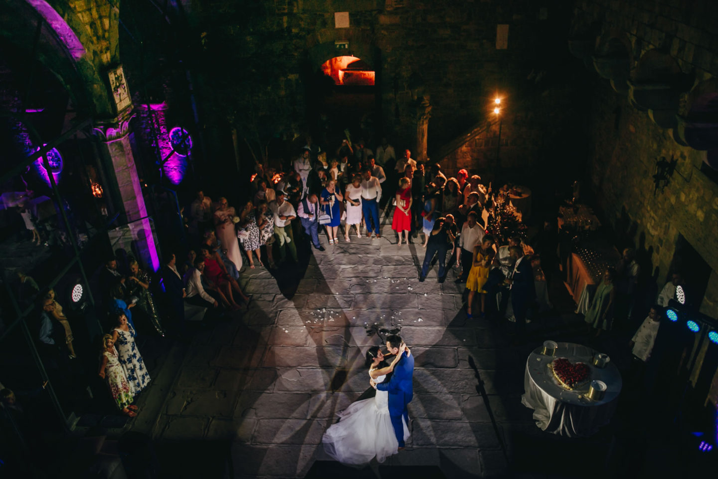 High :: Crazy wedding at Vincigliata Castle and Villa San Michele :: Luxury wedding photography - 59 :: High