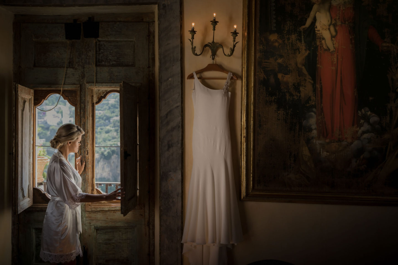 Wedding Dress :: Wedding in Positano. Sea and love :: Wedding photographer based in Florence Tuscany Italy :: photo-5 :: Wedding Dress