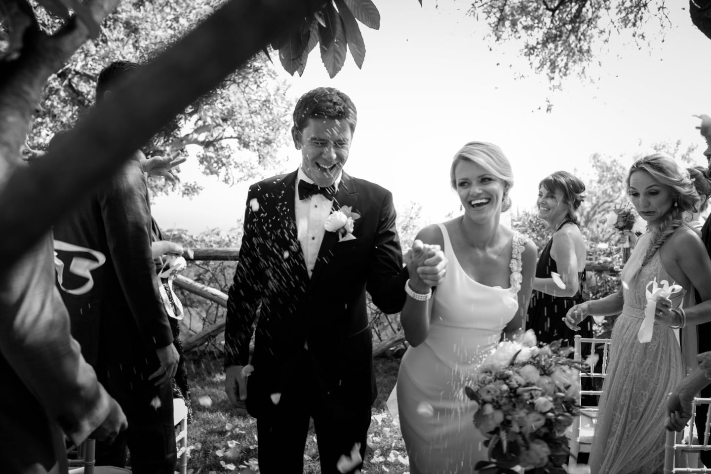 Petals :: Wedding in Positano. Sea and love :: Wedding photographer based in Florence Tuscany Italy :: photo-28 :: Petals