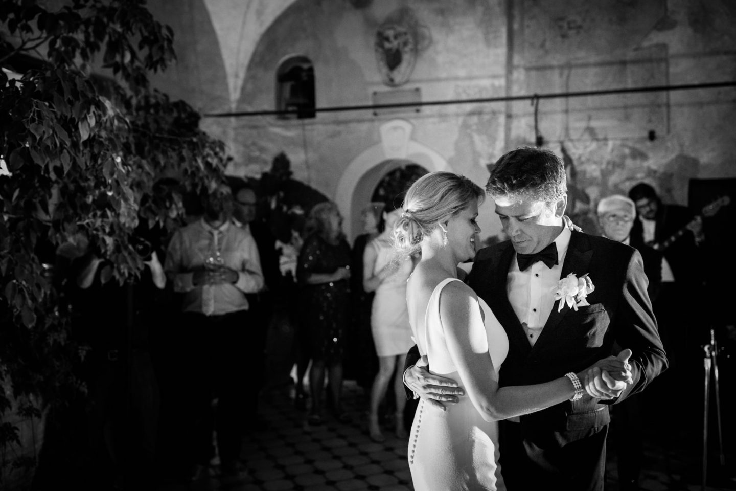 First Dance :: Wedding in Positano. Sea and love :: Luxury wedding photography - 58 :: First Dance