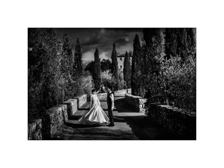 Black and white wedding_ Castello di Meleto :: Photo - 27