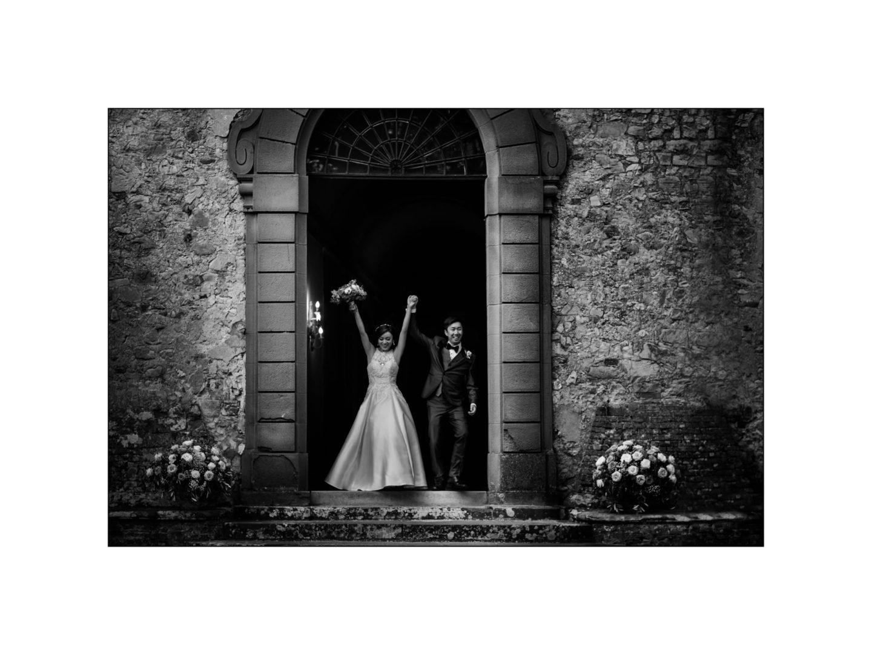 Black and white wedding_ Castello di Meleto :: Photo - 37
