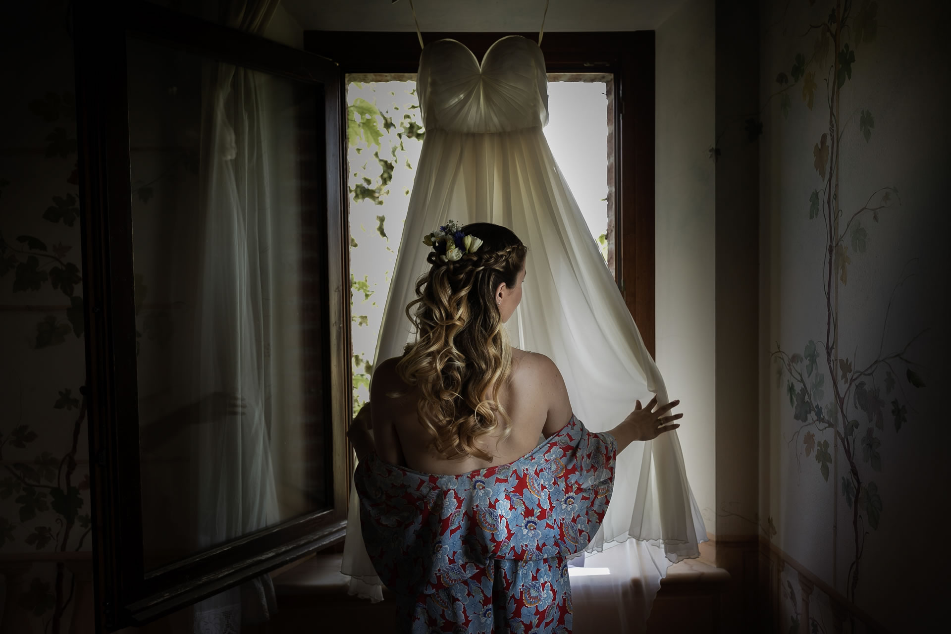 Curly Hair - 11 :: Wedding in Perugia countryside. Jean and Toby :: Luxury wedding photography - 10 :: Curly Hair - 11