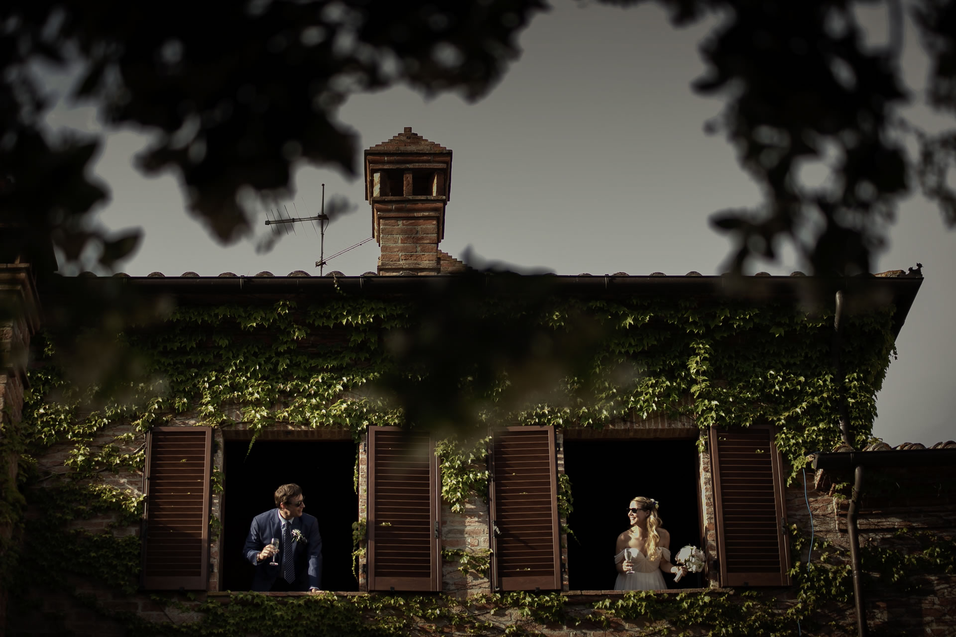 Windows - 20 :: Wedding in Perugia countryside. Jean and Toby :: Luxury wedding photography - 19 :: Windows - 20