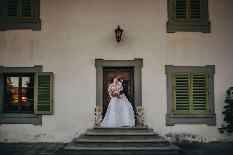 Windows :: Luxury wedding at Il Borro :: Luxury wedding photography - 24 :: Windows