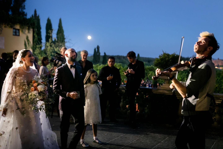 Violin :: Luxury wedding at Il Borro :: Luxury wedding photography - 40 :: Violin