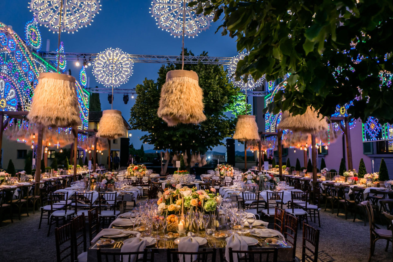 Feathers :: Luxury wedding at Il Borro :: Luxury wedding photography - 45 :: Feathers