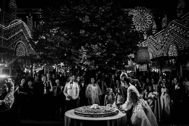 Cake Cut :: Luxury wedding at Il Borro :: Luxury wedding photography - 66 :: Cake Cut