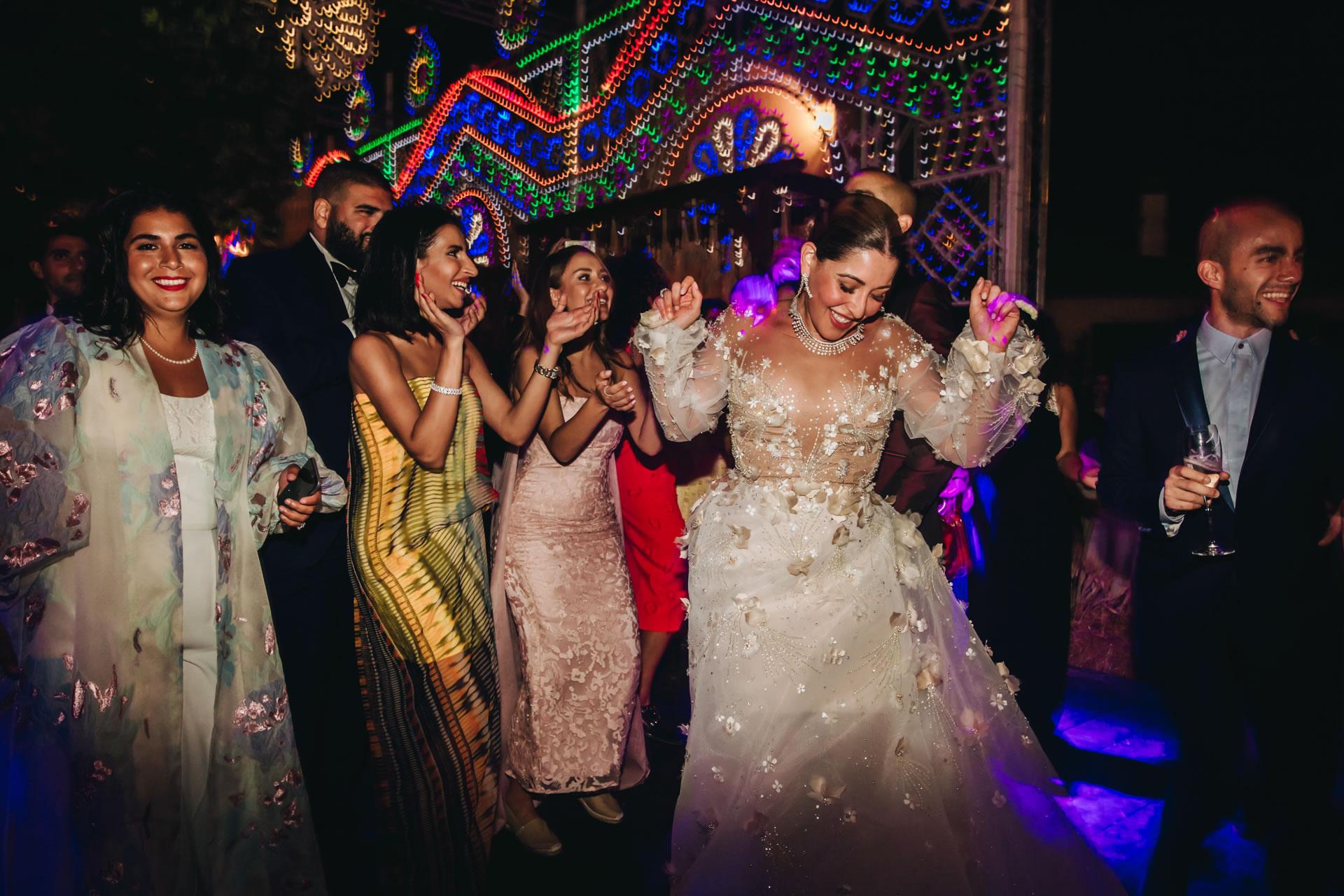 Dancing Friends - 81 :: Luxury wedding at Il Borro :: Luxury wedding photography - 80 :: Dancing Friends - 81