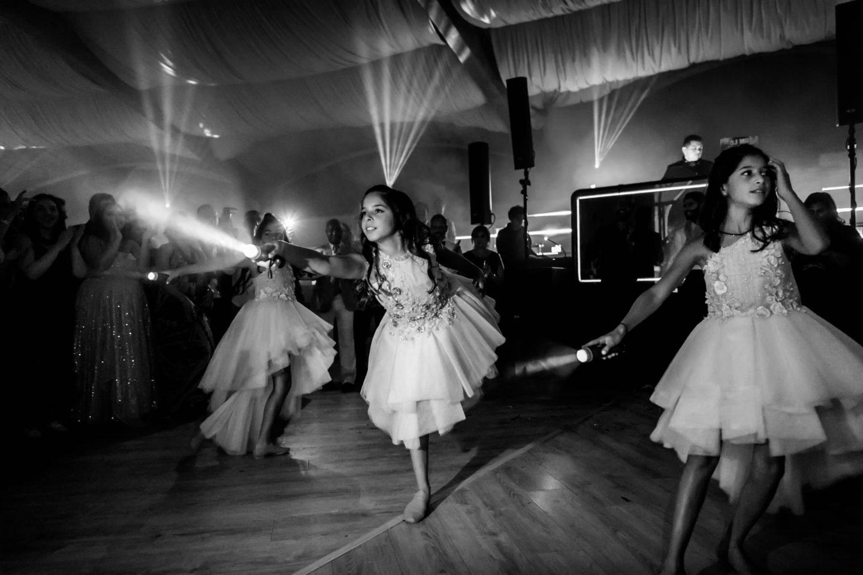 Dancers :: Luxury wedding at Il Borro :: Luxury wedding photography - 84 :: Dancers