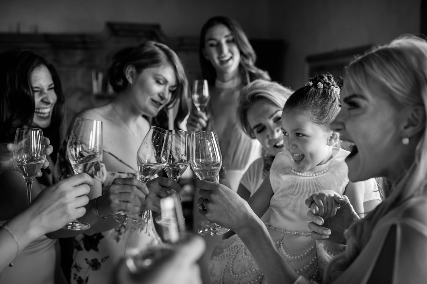 Toast (Social Drinking) :: Exciting wedding in the countryside of Siena :: Luxury wedding photography - 9 :: Toast (Social Drinking)
