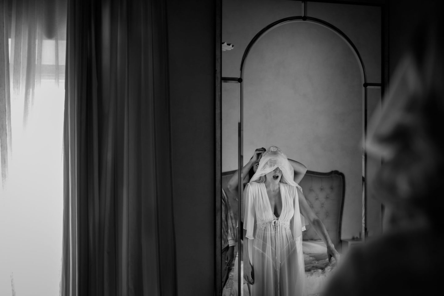 Veil :: Exciting wedding in the countryside of Siena :: Luxury wedding photography - 25 :: Veil
