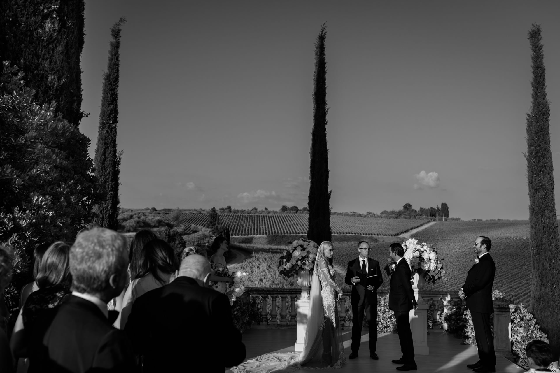 Tolaini - 39 :: Exciting wedding in the countryside of Siena :: Luxury wedding photography - 38 :: Tolaini - 39