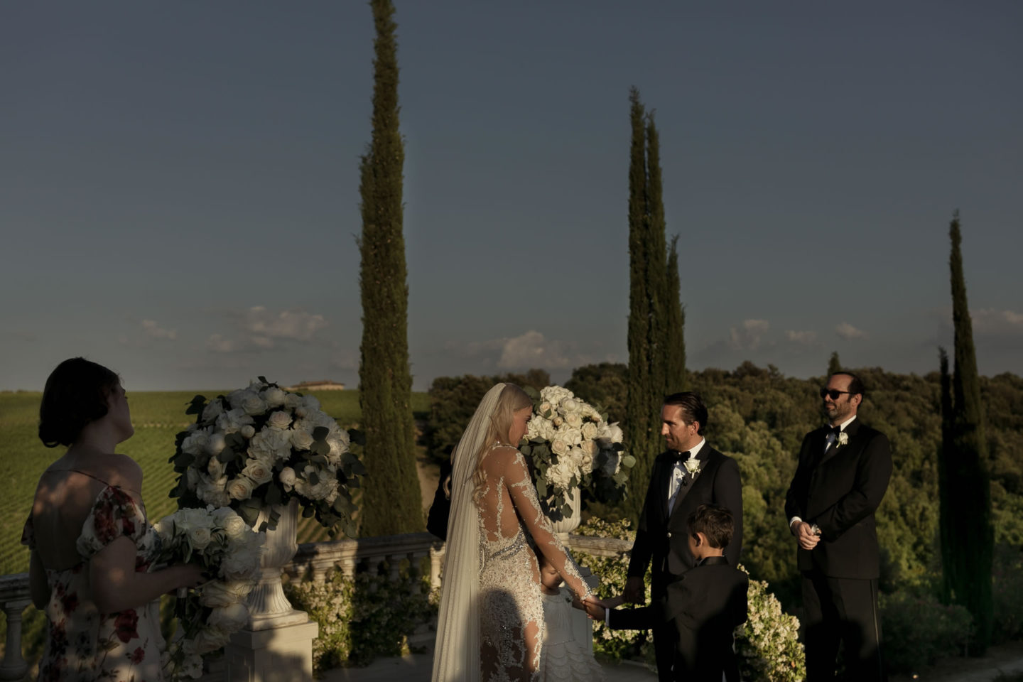 Tuscany :: Exciting wedding in the countryside of Siena :: Luxury wedding photography - 39 :: Tuscany