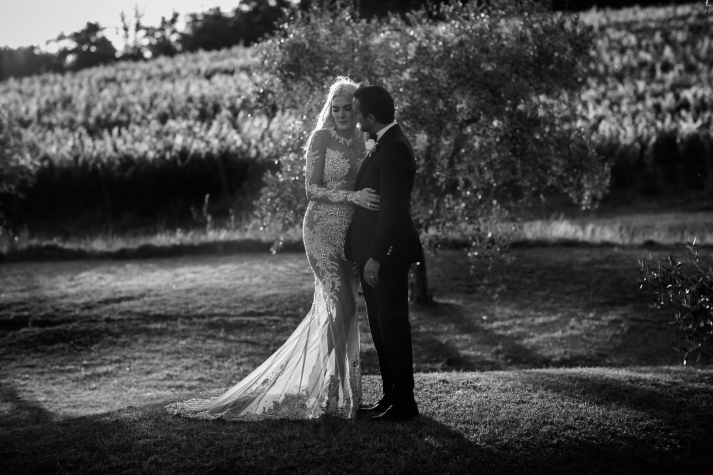 Intimate Moment :: Exciting wedding in the countryside of Siena :: Luxury wedding photography - 45 :: Intimate Moment