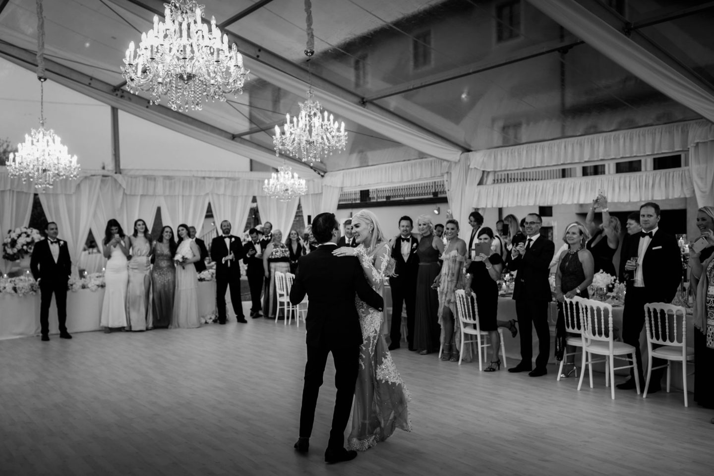 Chandeliers :: Exciting wedding in the countryside of Siena :: Luxury wedding photography - 60 :: Chandeliers