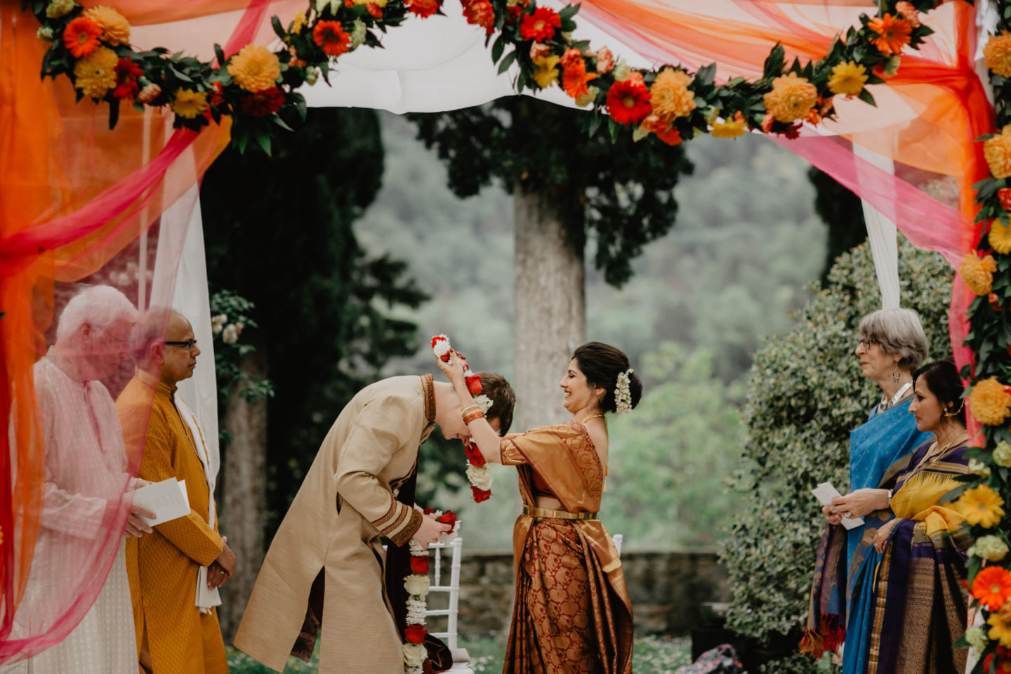 Indian wedding ceremony at Villa Pitiana :: Luxury wedding photography - 18