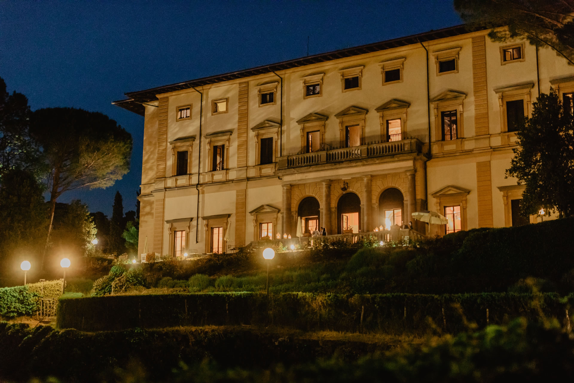 - 65 :: Indian wedding ceremony at Villa Pitiana :: Luxury wedding photography - 64 ::  - 65