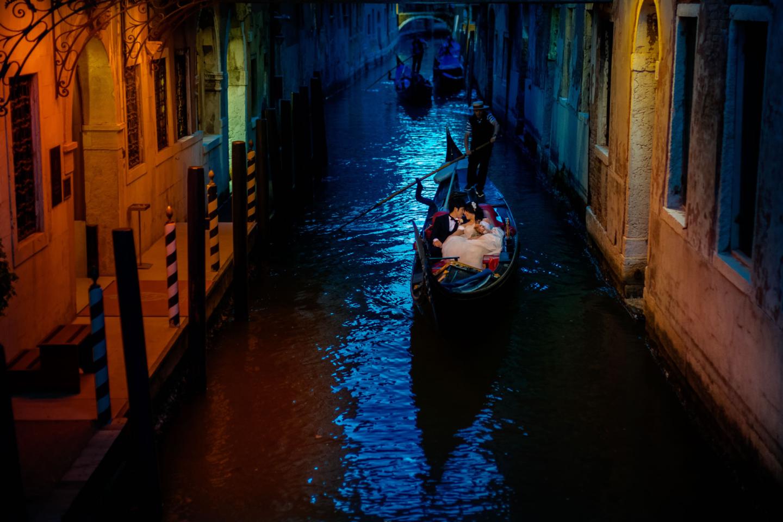 Intimate Wedding in Venice :: Luxury wedding photography - 37