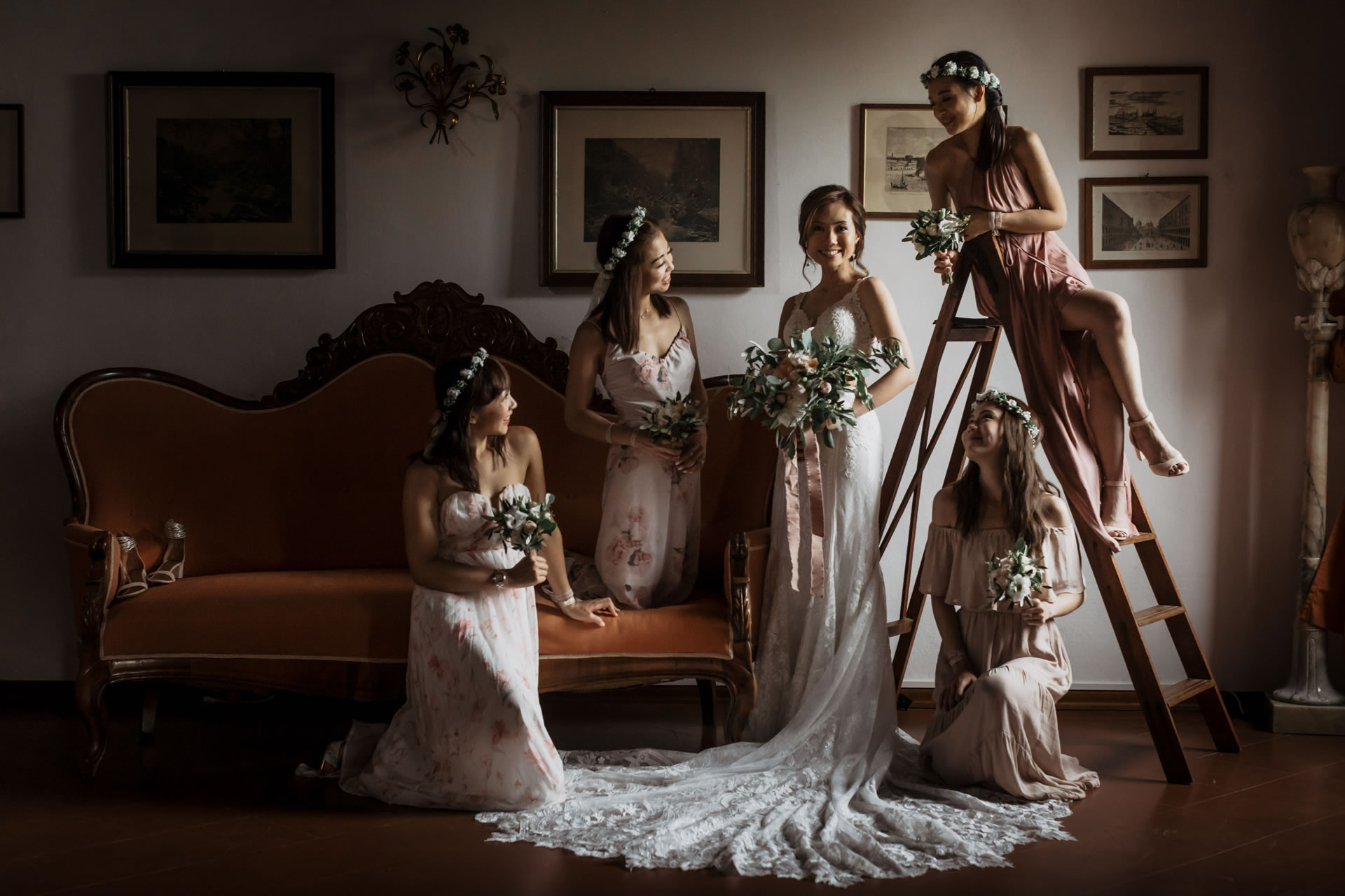 - 8 :: Group's portrait: what remains of that day :: Luxury wedding photography - 7 ::  - 8