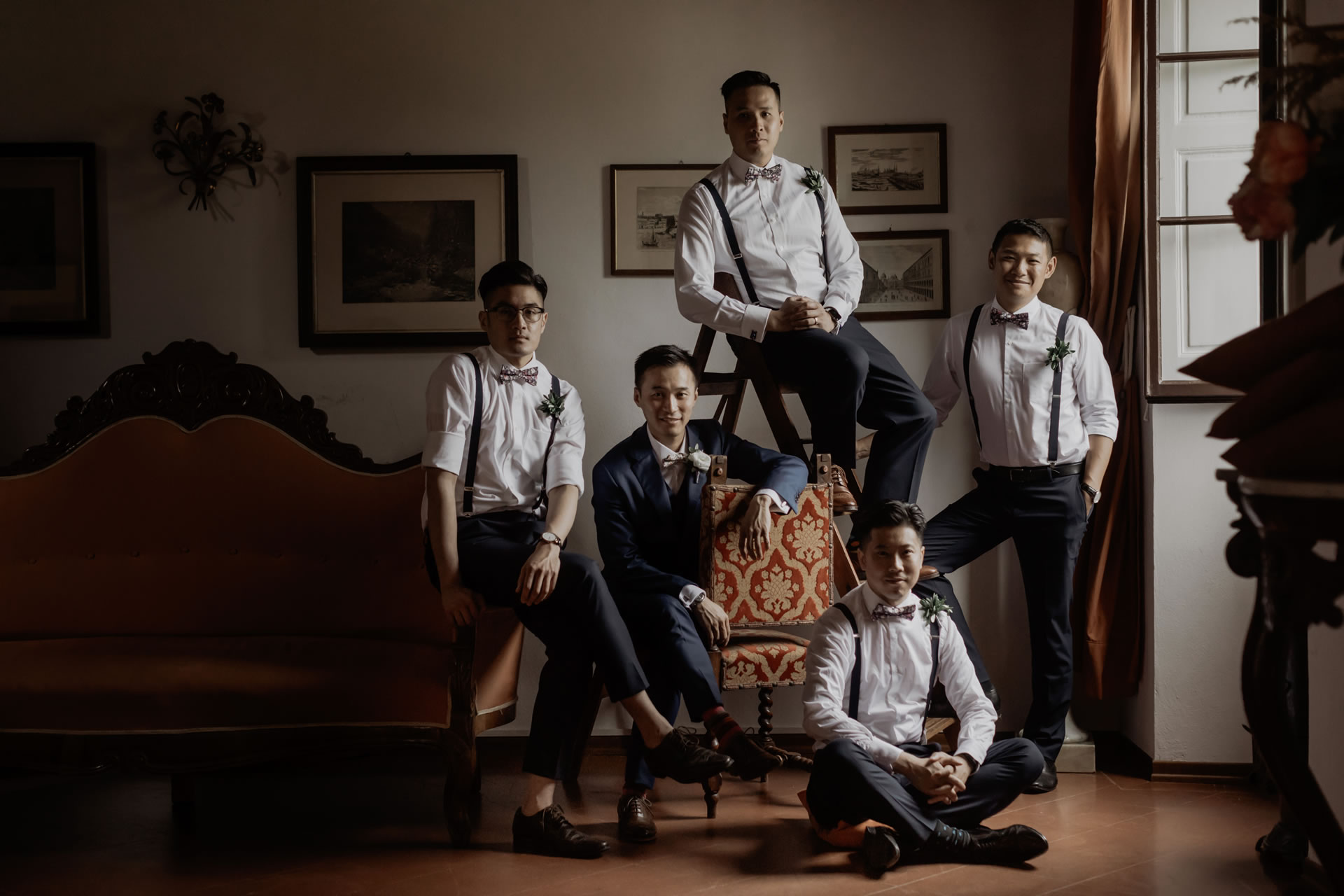 - 10 :: Group's portrait: what remains of that day :: Luxury wedding photography - 9 ::  - 10