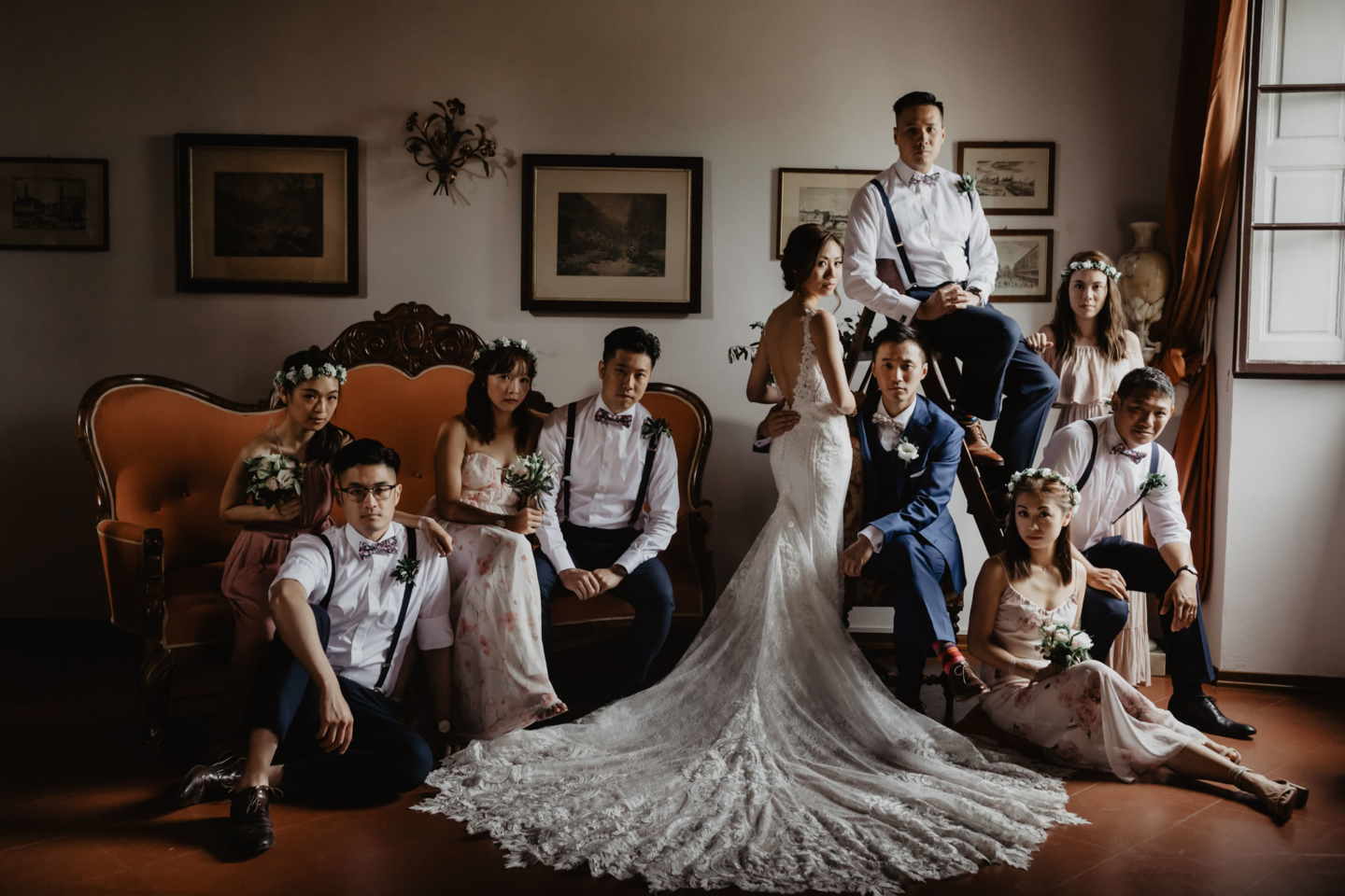 - 11 :: Group's portrait: what remains of that day :: Luxury wedding photography - 10 ::  - 11
