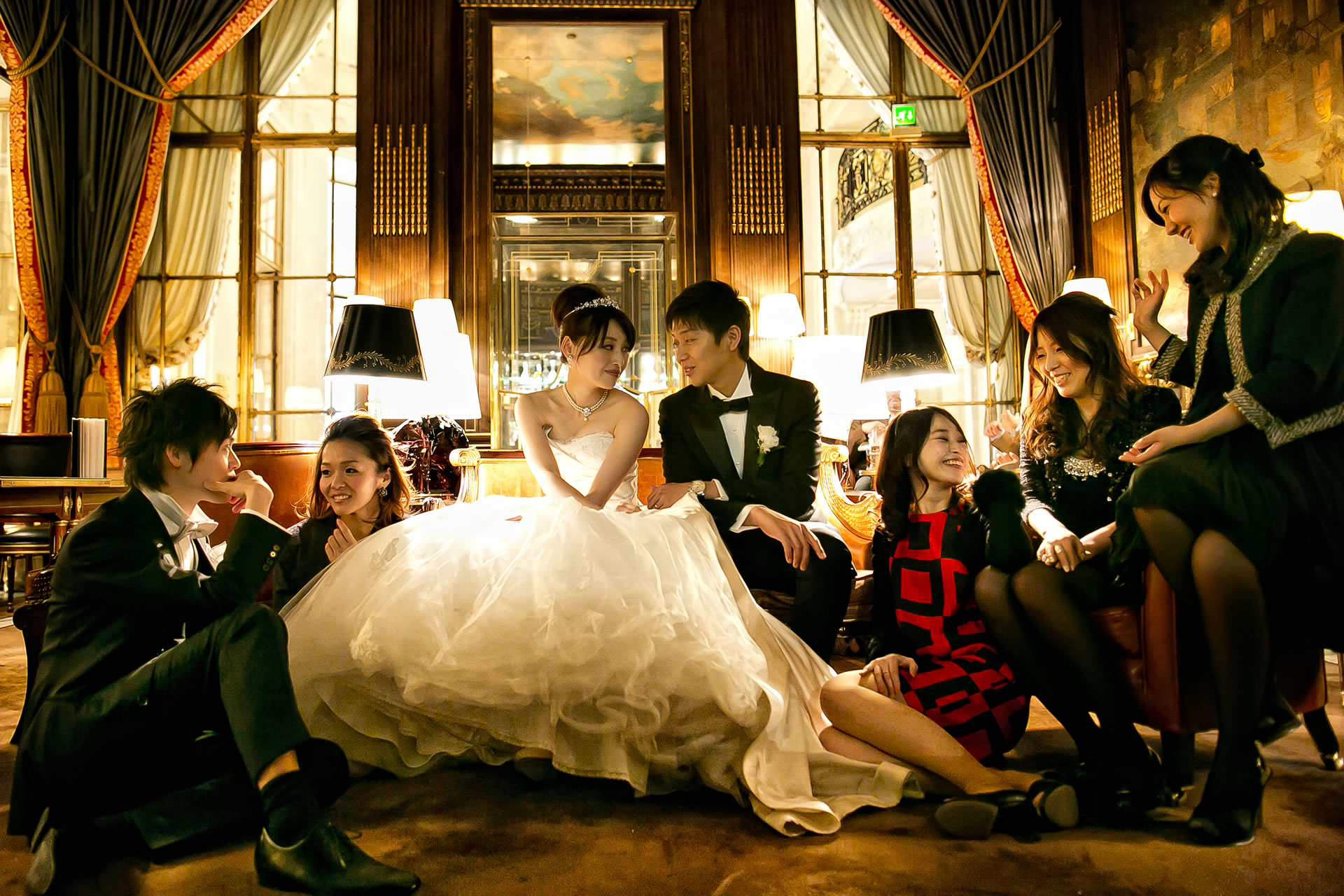 - 26 :: Group's portrait: what remains of that day :: Luxury wedding photography - 25 ::  - 26