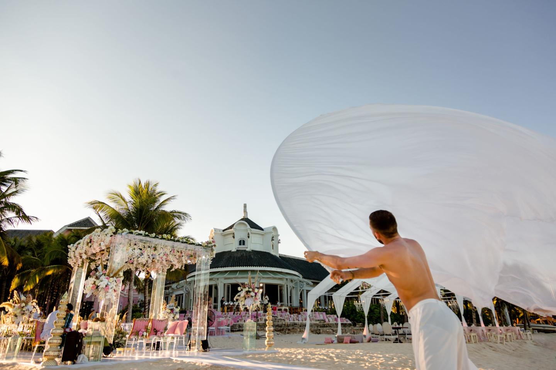 - 118 :: What an adventure: an Indian wedding in Vietnam :: Luxury wedding photography - 117 ::  - 118