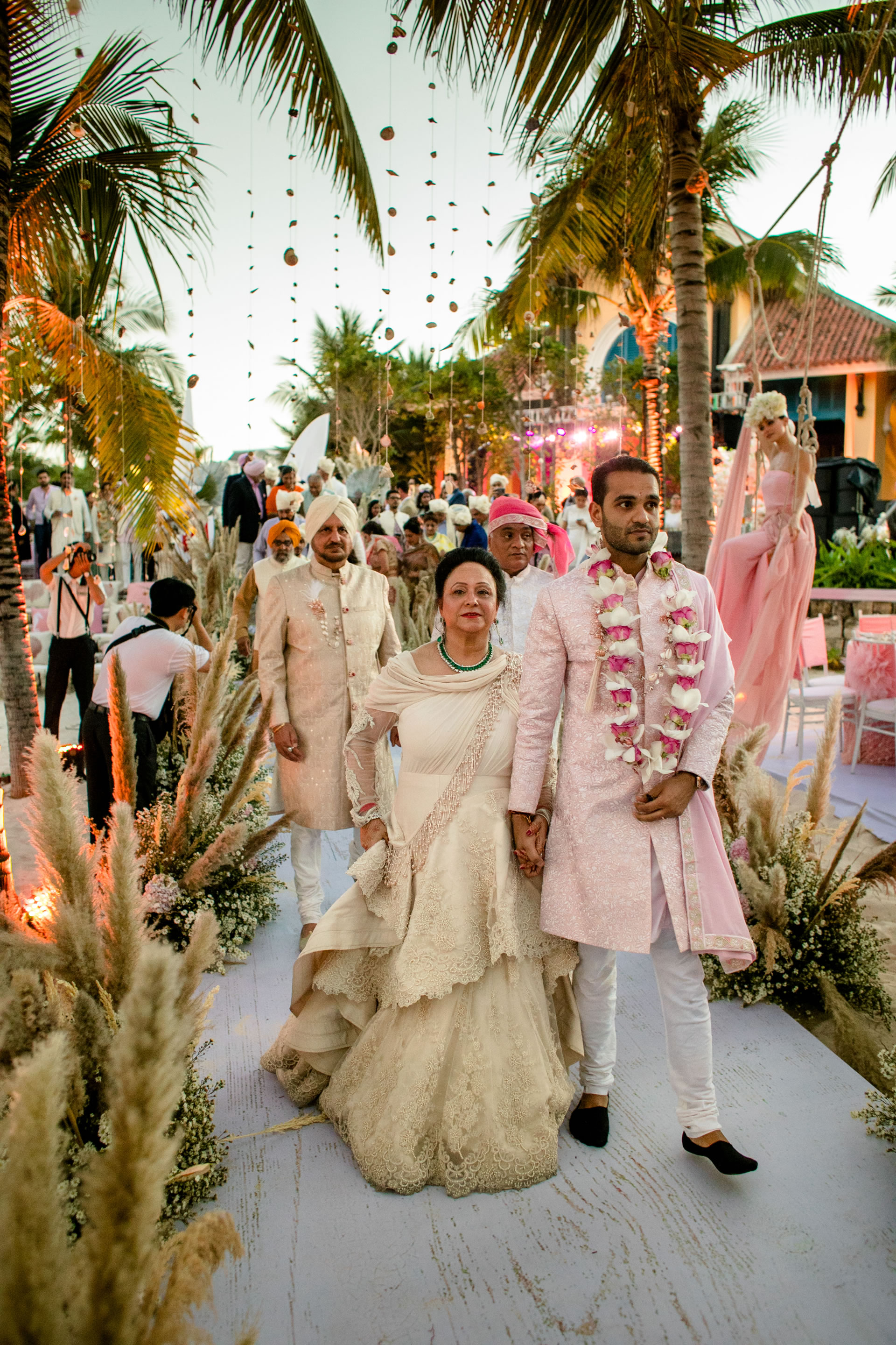 - 125 :: What an adventure: an Indian wedding in Vietnam :: Luxury wedding photography - 124 ::  - 125