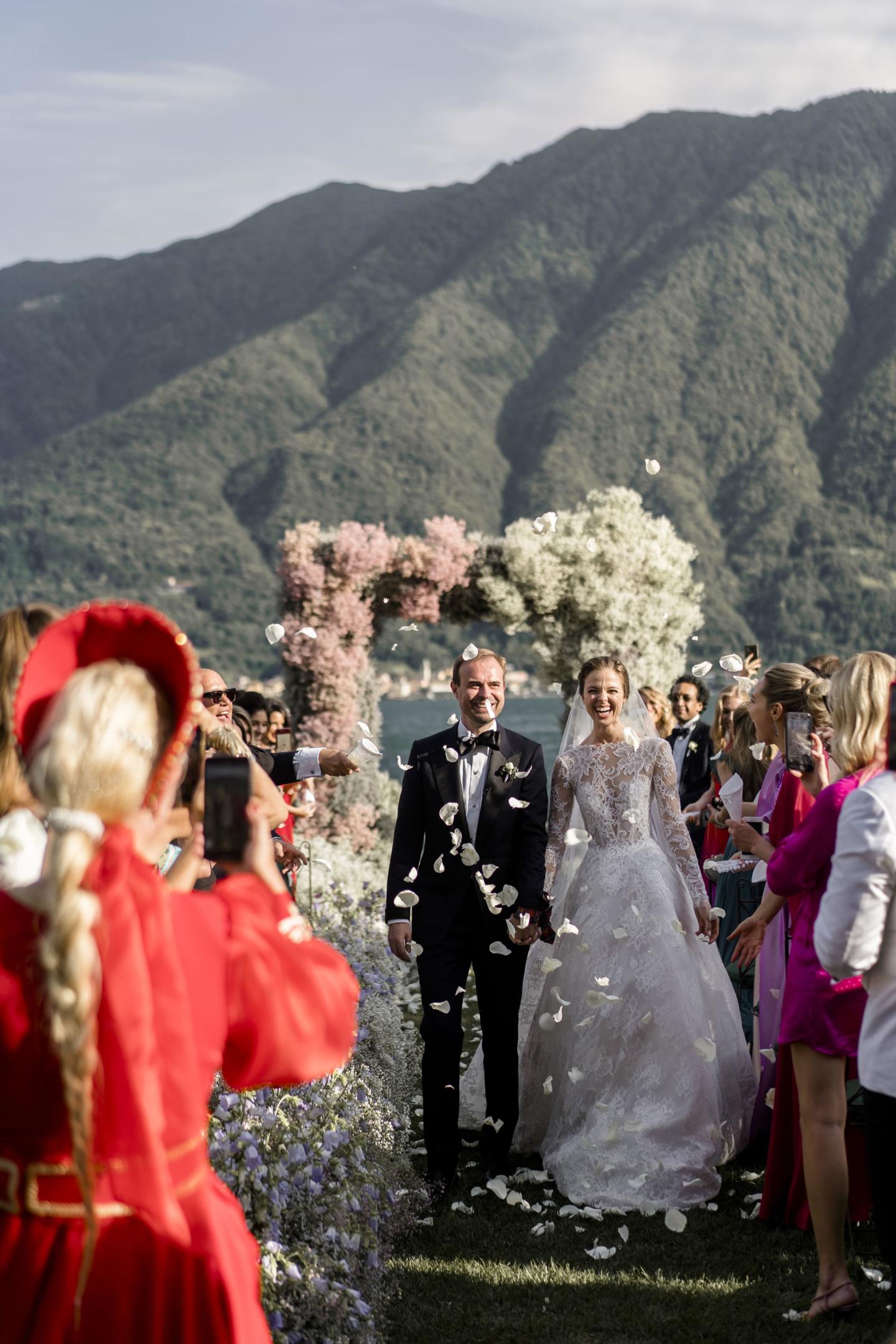 - 70 :: A spectacular wedding: mother Russia on Como lake :: Luxury wedding photography - 69 ::  - 70